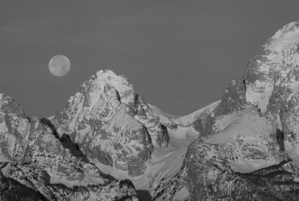 Moon setting, November 18, 2013